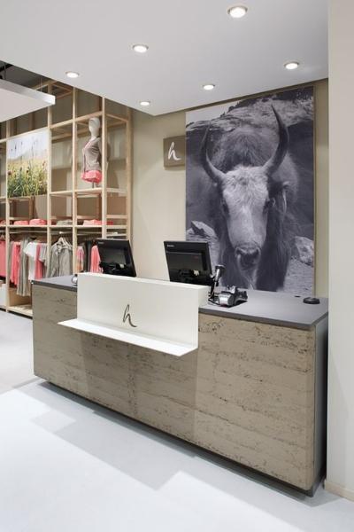 https://www.thedreamfactory.es/wp-content/uploads/2019/03/mostrador-tienda-ropa-3.jpg