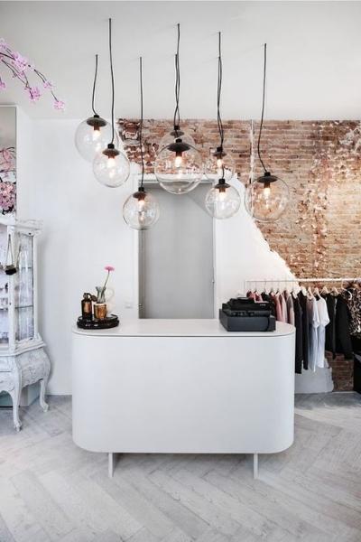 https://www.thedreamfactory.es/wp-content/uploads/2019/03/mostrador-tienda-ropa.jpg