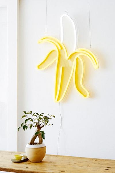 Luz neón plátano