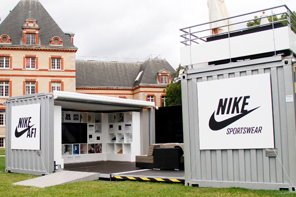 https://www.thedreamfactory.es/wp-content/uploads/2019/04/pop-up-store-nike-container.jpg