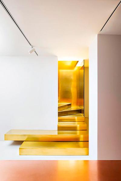 Escaleras doradas