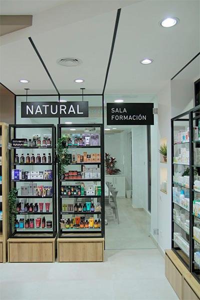 https://www.thedreamfactory.es/wp-content/uploads/2019/05/farmacia-sala-formacion.jpg