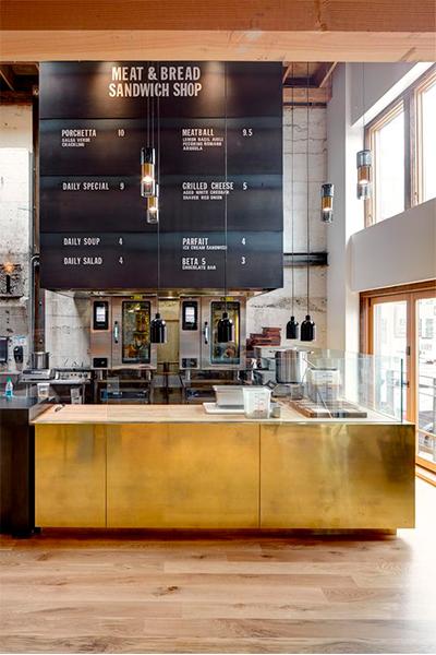 Mostrador dorado cafeteria